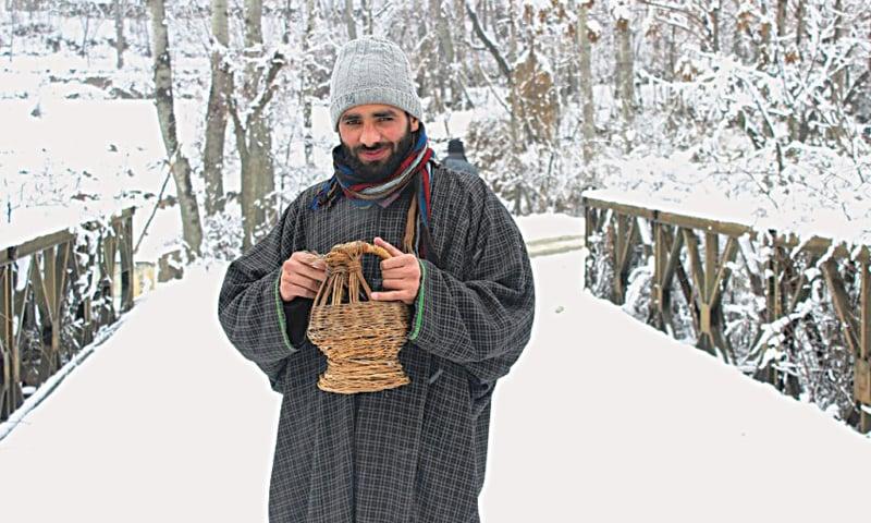 Winter season in Kashmir best time to visit Kashmir for snowfall, Skiing